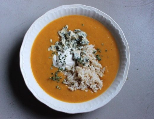 PUMPKIN LEEK SOUP BROWN RICE BLUE CHEESE SOUR CREAM THYME
